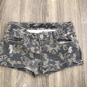Vanilla Star army shorts